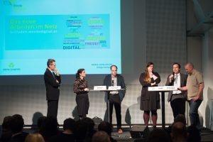 Leitfaden: Wie Österreicherinnen und Österreicher zu Digital Champions werden